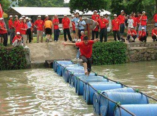 天津户外拓展公司浅谈进行水上拓展的注意事项